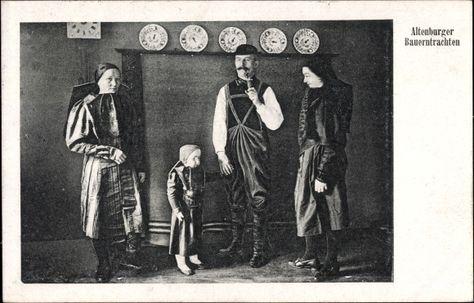 Ansichtskarte / Postkarte Altenburger Bauerntrachten, Familie, Frauen, Kind, Vater #Altenburg