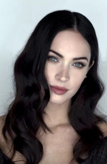 58 Ideas Hair Brunette Pale Skin Dark For 2019 Pale Skin Makeup Dark Hair Makeup Dark Hair Pale Skin