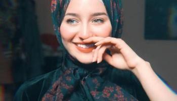 البنات المحجبات يتميزن بالجمال والرقي صور بنات محجبات راقية Girl Pictures Peace Gesture