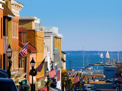 Annapolis, Maryland. A sunny day, a water taxi ride, and perfect lunch!