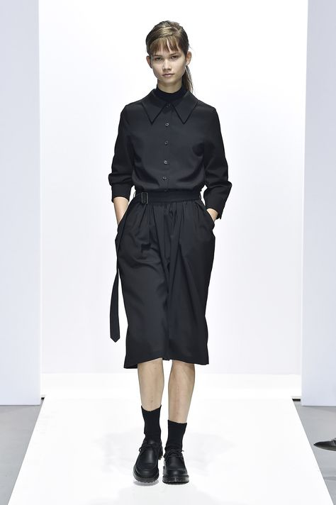 Margaret Howell made a very convincing case for uniform dressing with her Fall 2018 collection, which was filled with classic pieces that you'll want to stock your wardrobe with