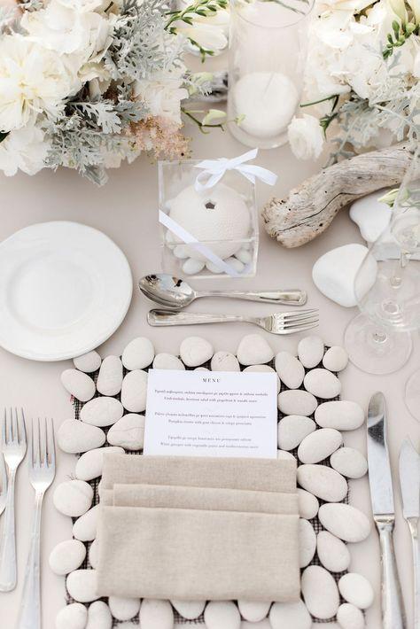 Classic Coastal Wedding table setting ideas and inspiration #coastalwedding #coastaltablescape #tablescapeideas #tablescape #coastalwedding #weddingcoastal
