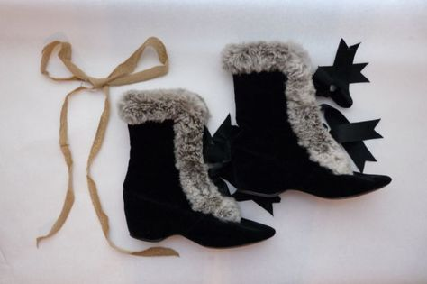 1800s Victorian John Wanamaker Black Velvet & Real Fur Carriage Boots