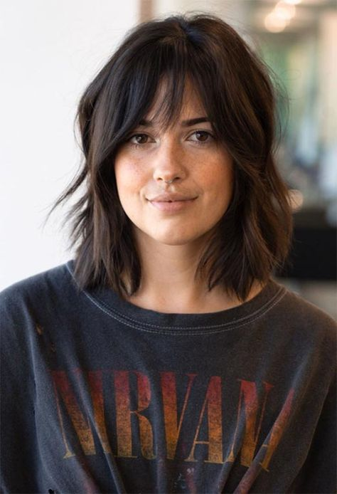 short shag hairstyles 101 Fab Shag Haircuts, from Short to Long, for Everyone out There Learn how to choose the best shag haircuts for your face shape and hair type, and find 101 shag hairstyles, both for short and long hair! Inverted Bob Hairstyles, Bob Hairstyles For Fine Hair, Gorgeous Hairstyles, Medium Wavy Hairstyles, Medium Shag Haircuts, Long Fringe Hairstyles, Haircut Medium, Stylish Hairstyles, Easy Hairstyles