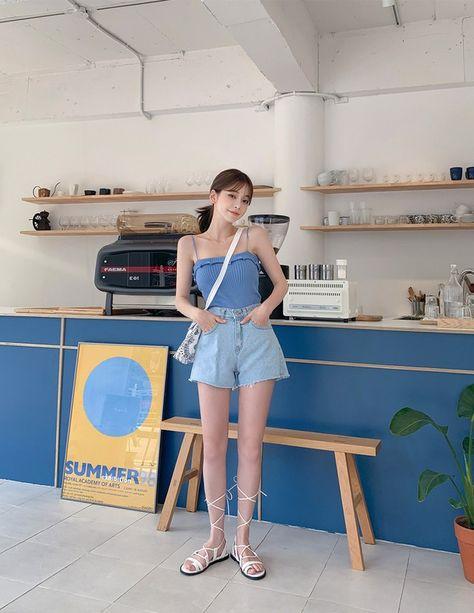คลาสสิคดี รวม 30 ไอเดีย แมทช์แฟชั่นสี 'Classic Blue' ให้สวย ชิคแอนด์คูล ฉบับ Korean Style