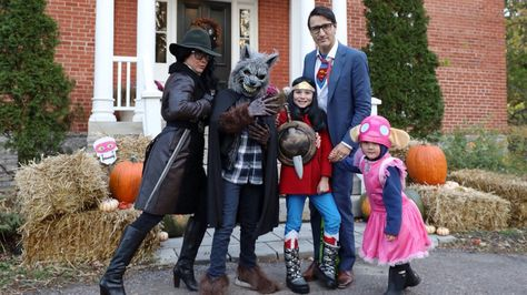 Of Course Justin Trudeau Went as Clark Kent for Halloween