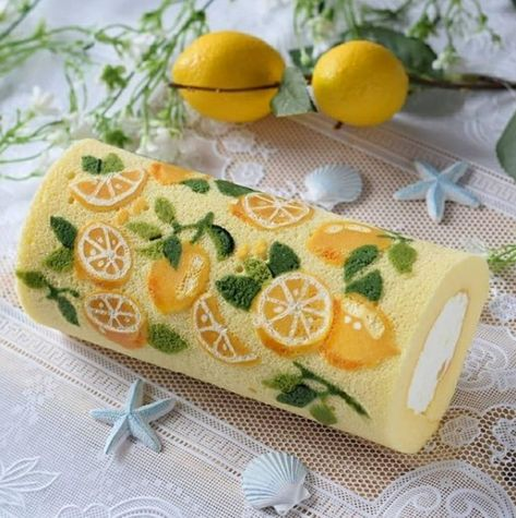 Pretty Cakes, Cute Cakes, Japanese Roll Cake, Cute Food, Yummy Food, Cake Recipes, Dessert Recipes, Cute Desserts, Aesthetic Food