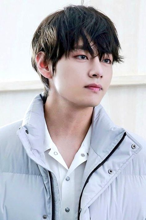"""🐯 on Twitter: """"Kim Taehyung is really out there existing… """""""