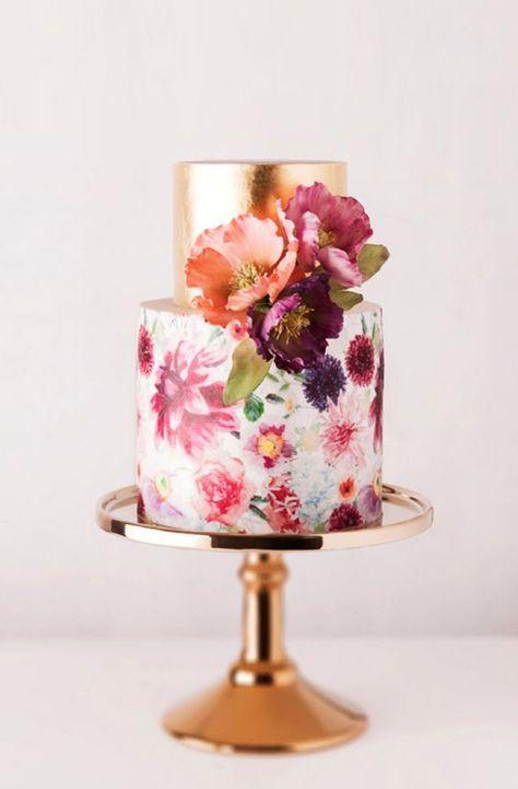 Ideen für Hochzeitstorten 2015 | Friedatheres.com  goldene Hochzeitstorte mit Blumen // golden wedding cake