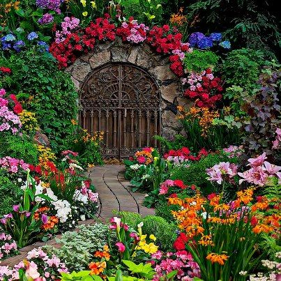 Tulips at little larford worcestershire england amazing tulips at little larford worcestershire england amazing world pinterest spring gardens and flowers mightylinksfo Images