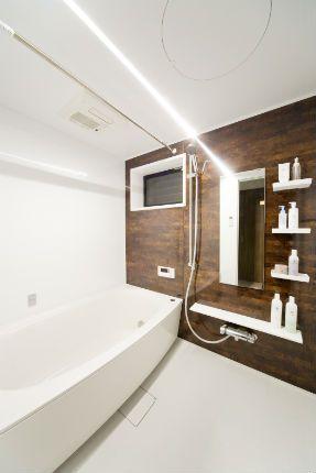 施工事例 浴室 お風呂リフォーム 気品が漂う色合いのアクセント