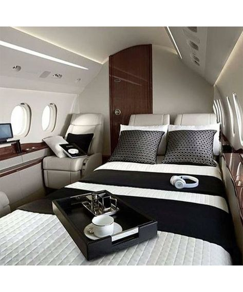 Ever wondered how much it would be to charter your own private jet? Not as much. Ever wondered how much it would be to charter your own private jet? Jets Privés De Luxe, Luxury Jets, Luxury Private Jets, Private Plane, Luxury Yachts, Luxury Helicopter, Private Jet Interior, Photo Avion, Aircraft Interiors