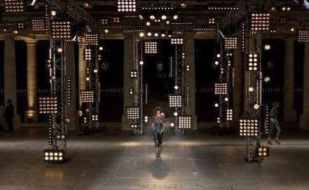 68 New Ideas For Fashion Show Stage Design Catwalks Fashion Design In 2020 With Images