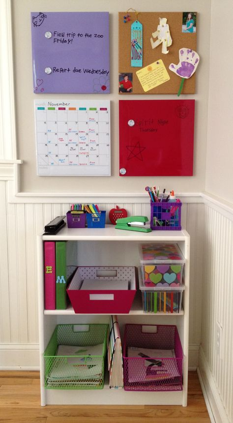 Organized for School with a Homework Station for Kids Do your children need a better homework routine Do you need help keeping track of all the school forms and deadlines. Kids Homework Station, Homework Center, Homework Area, Bedroom Organization Diy, School Organization, Organizing Ideas, Organization Station, School Forms, Kids Study