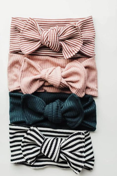 Emerald baby headwrap Emerald baby bow rust bow emerald bow baby headwrap knitbaby headwrap turbans for tots baby bows hairbow jade Handgemachtes Baby, Baby Tie, Baby Girl Bows, Baby Girl Headbands, Girls Bows, Baby Girls, Toddler Headbands, Diy Baby, Toddler Girls