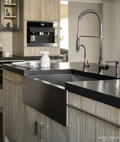 Countertop Is Gray Leather Quartz Santa Margherita Quartz In
