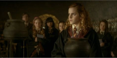 Times Hermione Granger Was The Worst Screenrant Hermione Granger Granger Hermione