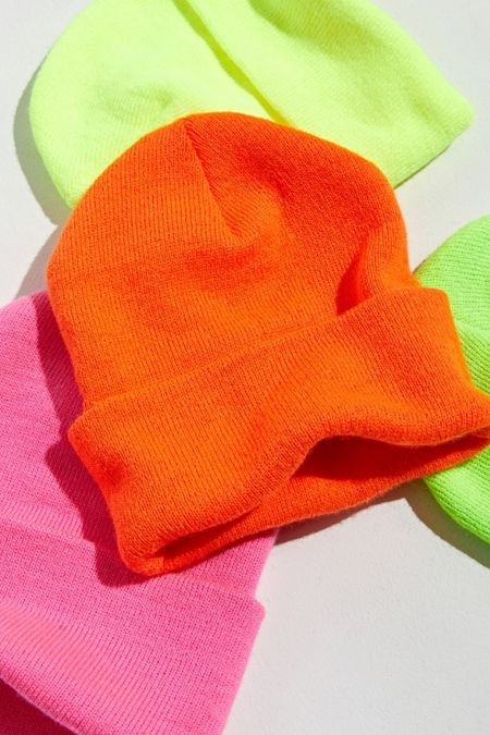 Christmas + Holiday Gifts for Men Neon Outfits, Teen Girl Outfits, Casual Outfits, Beanie Outfit, Beanie Hats, Pants Outfit, Ropa Color Neon, Camilla, Urban Outfitters Clothes