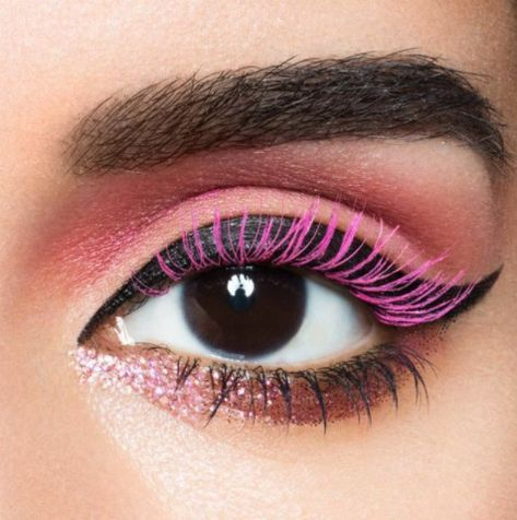 Pink Mascara - The Spring Beauty Trend We're Absolutely Living For - Photos