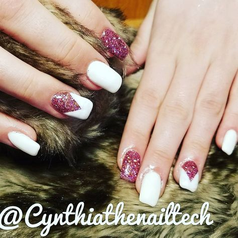 nails #pinknwhite #acrylicnails...