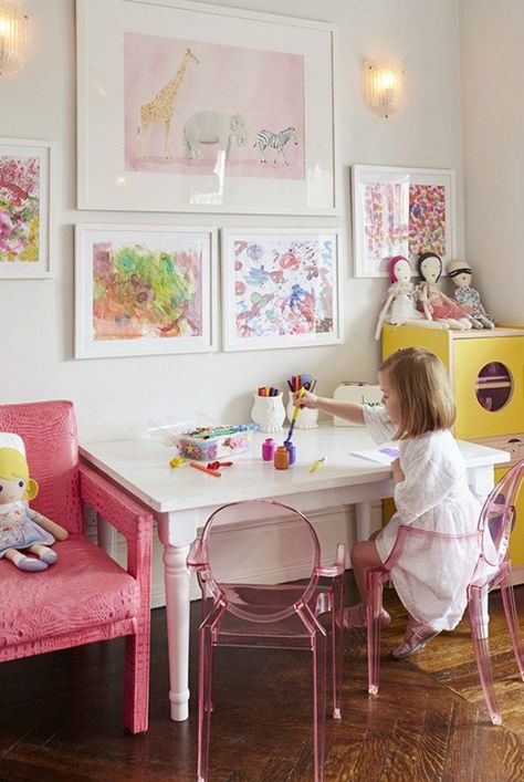 A Kids Bedroom on Manhattan& Upper West Side, photographed by Attic Fire, via Sarah Sarna. A Kids Bedroom on Manhattans Upper West Side, photographed by Attic Fire, via Teen Girl Bedrooms, Little Girl Rooms, Little Girls Playroom, Upper West Side Apartment, Young House Love, Kids Decor, Home Decor, Decor Ideas, Decorating Ideas