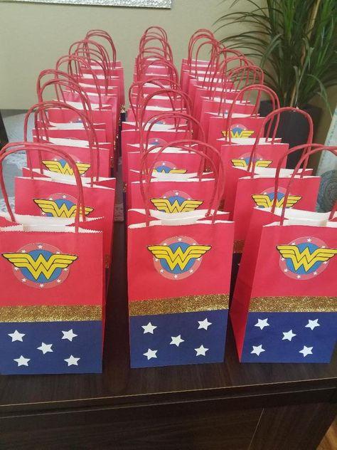 5th Birthday Girls, My Daughter Birthday, Birthday Fun, 1st Birthday Parties, Birthday Ideas, Wonder Woman Birthday, Wonder Woman Party, Birthday Woman, Birthday Party Decorations