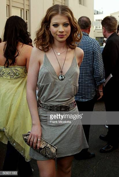 Actress Michelle Trachtenberg arrive to the 2004 MTV Movie Awards at the Sony Pictures Studios on June 5 2004 in Culver City California The 2004 MTV...