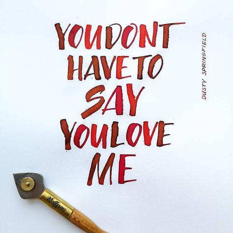 #komokovsminimum Day 4! 💪🏼 Ultimo giorno di questa challenge, che si conclude proprio nel giorno del #worldcalligraphyday 2019 😍  @komoko.studio VS @minimumcalligraphy! Prima di chiudere in bellezza volevo ringraziare Claudio per avermi spinta ad uscire dalla mia comfort zone, sperimentando con il mio nuovo tiralinee ❤️ Sono stati i