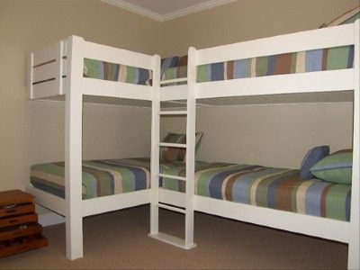 corner bunk beds with 2 bunks