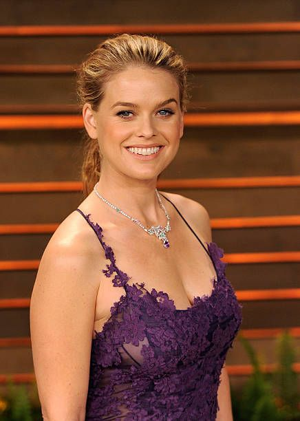 Actress Alice Eve Arrives To The 2014 Vanity Fair Oscar Party On