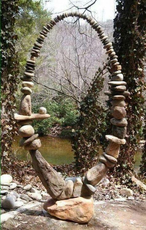 Rock Sculpture, Sculpture Ideas, Garden Sculptures, Rock Garden Design, Beach Stones, Garden Stones, Glass Garden, Diy Garden Decor, Garden Ideas