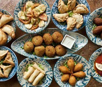 اشهر الأطباق الرئيسية على سفرة رمضان عالميا Iftar Recipes Recipes Iftar