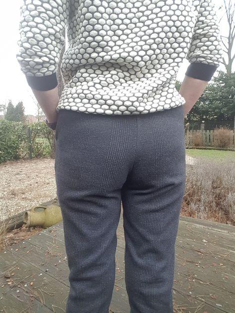 Geklede Joggingbroek.Jogger Pants Patroon Melly Sews Geklede Joggingbroek En Aster Trui