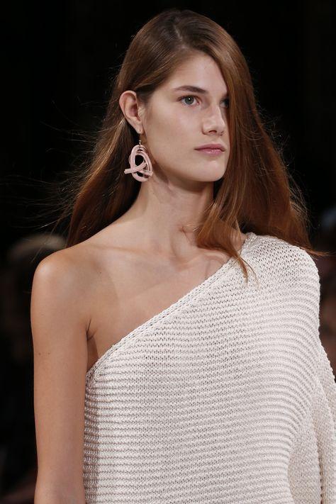Stella McCartney Spring 2018 Ready-to-Wear  Fashion Show Details