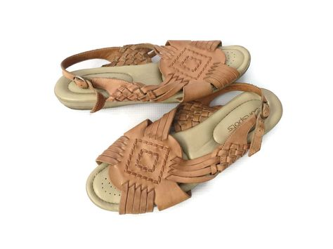 83699d6ac87a1 Huarache Sandals Brown Woven Leather Flats Vintage Size 9.5 10 Hippie Boho  Shoes 80s 1980s Softspots Comfy by GoodLuxeVintage on Etsy