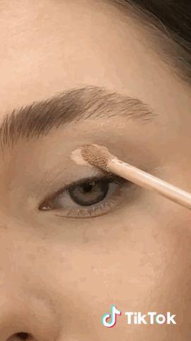 Pin By Katherine De Bruyn On Tik Tok Barker Harry Styles Makeup