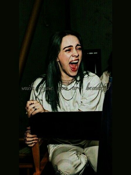 Billie Eilish Wallpaper Smile Green Aesthetics Billie Billie Eilish Singer
