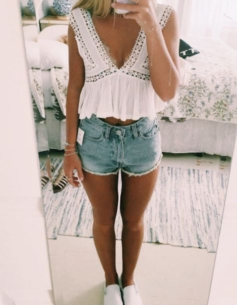 teenager outfits for school ; teenager outfits for school cute Teenager Outfits, Cute Teen Outfits, Trendy Outfits, Classic Outfits, Summer Fashion For Teens, Teen Fashion, Spring Fashion, Vetements Shoes, Chic Summer Outfits