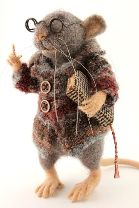 Needle Felted Gray Rat with Book and Glasses Teaching Mouse Wool Collectible Gift for Boyfriend O . : Needle Felted Gray Rat with Book and Glasses Teaching Mouse Wool Collectible Gift for Boyfriend OOAK,