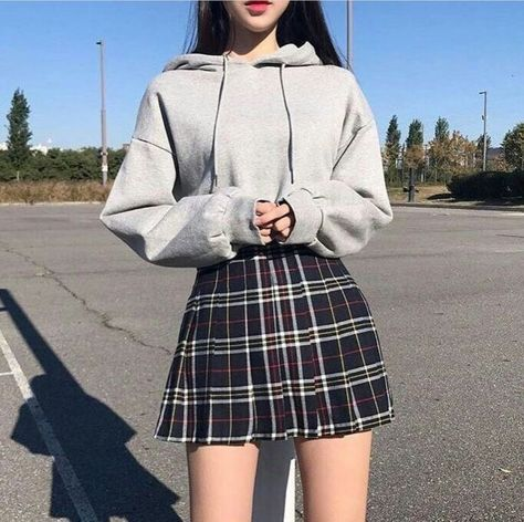 5 Cute Korean Outfits You Must Have In Your Wardrobe