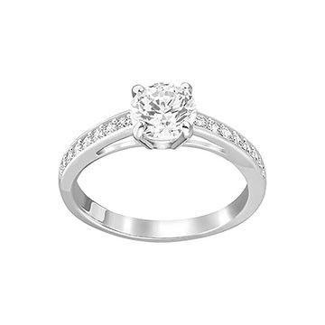 Engagement Rings : La bague Attract de Swarovski est le cadeau ...