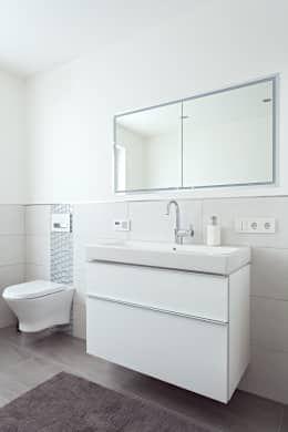 Das Schlaue Einfamilienhaus Badezimmer Klassisches Badezimmer Und Einfamilienhaus