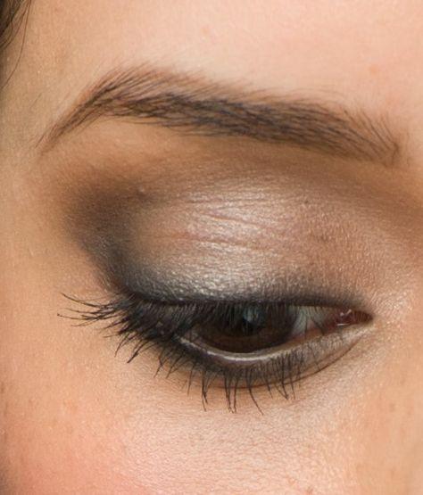 Sexy Smoke: Milly is wearing Fresh Faced by Erica natural eyeshadows in Black Velvet, Chocolat', Gala, Ginger Ale. #eyemakeup #eyeshadow #makeup