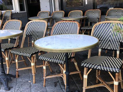 Terrastafel Met 6 Stoelen.Franse Bistrotafels Franse Meubelen Terrasstoelen Rotan Stoelen