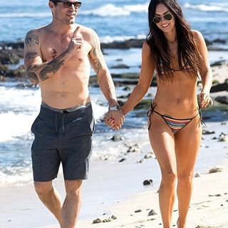 Brian Austin Green Megan Fox Show Off Their Shredded Bodies In Hawaii See More At Toofabnews Tmz Me Megan Fox Body Megan Fox Legs Celebrity Bikini