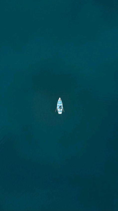 Minimalist Boat Wallpaper