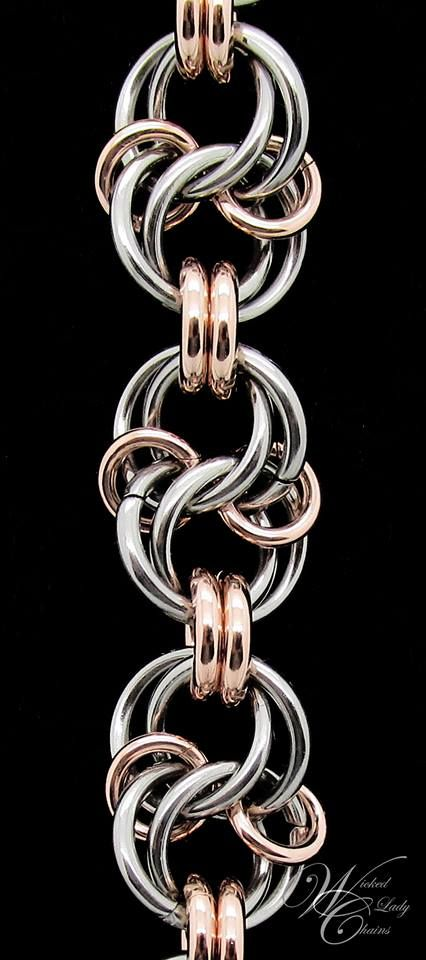 for celtic spiral knot chainmaille tutorial Jump Ring Jewelry, Metal Jewelry, Beaded Jewelry, Handmade Jewelry, Jewlery, Celtic Spiral Knot, Chainmail Patterns, Chainmaille Bracelet, Rope Necklace