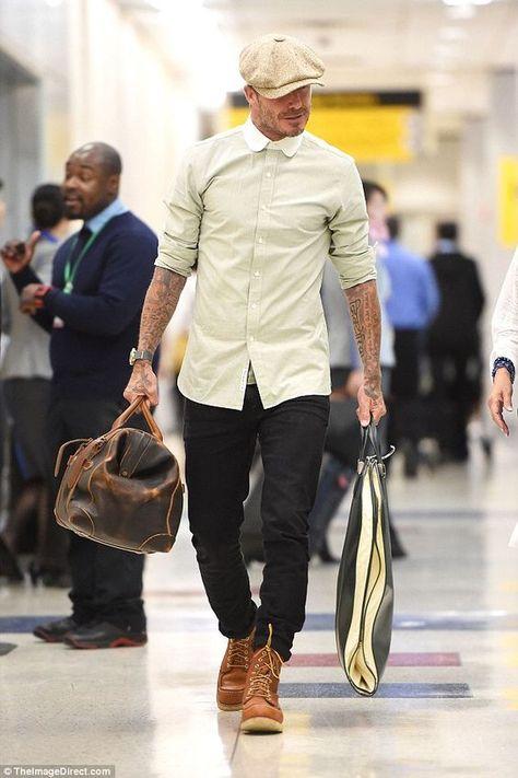 David beckham wearing red wing heritage moc 6 boots and stetson newsboy cloth hat David Beckham Shoes, David Beckham Style, David Beckham Fashion, Mens Boots Fashion, Best Mens Fashion, Star Fashion, Male Fashion, Botas Red Wing, Red Wing Boots