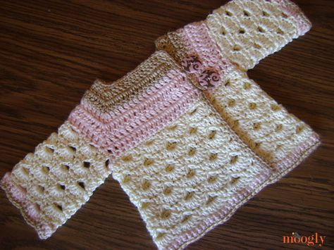 Sweater: Free Crochet Pattern Sizes 0-3 mths, and 3-6 mths ✭Teresa Restegui ✭ for Hazel?