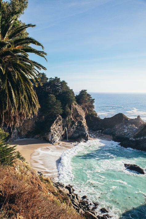 Visiting Big Sur - Just a couple of weeks ago, I was able to cross a destinatio. - Visiting Big Sur – Just a couple of weeks ago, I was able to cross a destination off my 2018 travel bucket list. Photo Voyage, Beautiful Places To Travel, Romantic Travel, Travel Aesthetic, Beach Aesthetic, Summer Aesthetic, Adventure Is Out There, Dream Vacations, Beautiful Landscapes